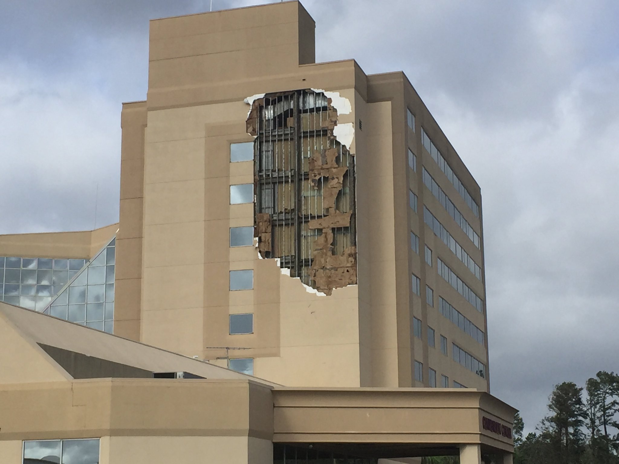 "<div class=""meta image-caption""><div class=""origin-logo origin-image none""><span>none</span></div><span class=""caption-text"">A DoubleTree hotel by the Orlando Airport had part of its side ripped off by Hurricane Irma. (Roy Ramos/WFTV)</span></div>"