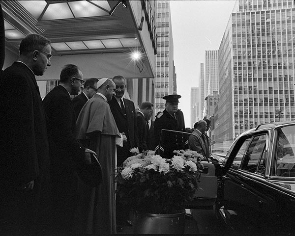 "<div class=""meta image-caption""><div class=""origin-logo origin-image wpvi""><span>WPVI</span></div><span class=""caption-text"">President Lyndon B. Johnson greets Pope Paul Vl (Waldorf-Astoria, New York City, New York. 10/4/1965) </span></div>"