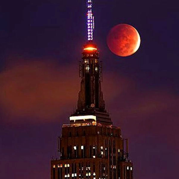 "<div class=""meta image-caption""><div class=""origin-logo origin-image none""><span>none</span></div><span class=""caption-text"">The supermoon is seen over the Empire State Building in New York City overnight on Sept. 27, the night of a lunar eclipse. (Instagram/miss_real_estate_)</span></div>"