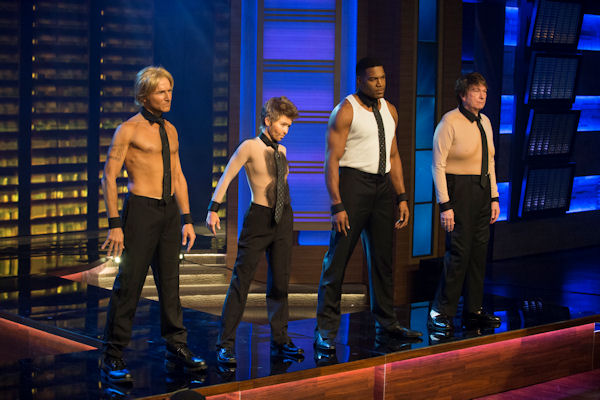 """<div class=""""meta image-caption""""><div class=""""origin-logo origin-image none""""><span>none</span></div><span class=""""caption-text"""">The ''LIVE with Kelly and Michael'' crew strips down for a scene in ''Magic Mike 3D'' for the show's Halloween special. (Pawel Kaminski, Disney/ABC Home Entertainment and TV Distribution )</span></div>"""