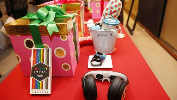 "<div class=""meta image-caption""><div class=""origin-logo origin-image ap""><span>AP</span></div><span class=""caption-text"">Holiday gift items chosen by Oprah Winfrey for the 2016 Christmas giving season are displayed at ""O,The Oprah Magazine,"" Tuesday, Nov. 1, 2016, in New York. (AP Photo/Kathy Willens)</span></div>"