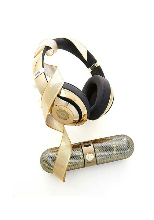 """<div class=""""meta image-caption""""><div class=""""origin-logo origin-image """"><span></span></div><span class=""""caption-text"""">Golden Beats by Dre, $700 at NeimanMarcus.com. Oprah says, ''Both items are Bluetooth enabled and shockingly lightweight--and will sound as good as they look for years to come.'' (Photo/Gregor Halenda, Oprah.com)</span></div>"""