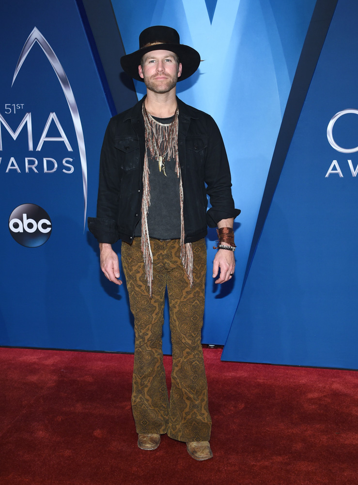"<div class=""meta image-caption""><div class=""origin-logo origin-image none""><span>none</span></div><span class=""caption-text"">Drake White arrives at the 51st annual CMA Awards on Wednesday, Nov. 8, 2017, in Nashville, Tenn. (Evan Agostini/Invision/AP)</span></div>"