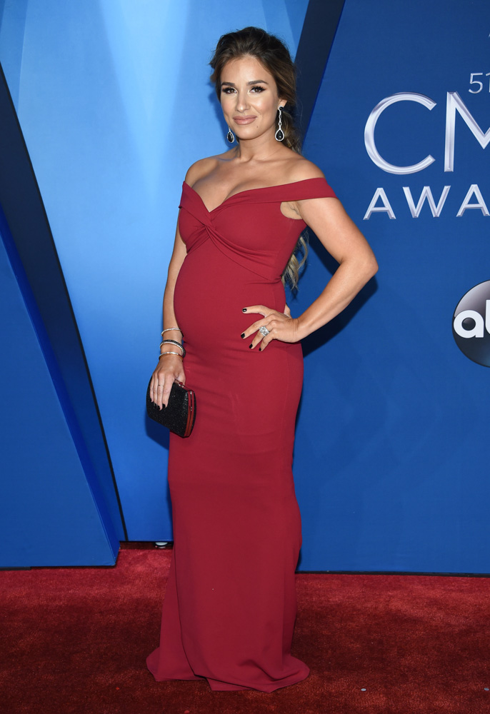 "<div class=""meta image-caption""><div class=""origin-logo origin-image none""><span>none</span></div><span class=""caption-text"">Jessie James Decker arrives at the 51st annual CMA Awards on Wednesday, Nov. 8, 2017, in Nashville, Tenn. (Evan Agostini/Invision/AP)</span></div>"