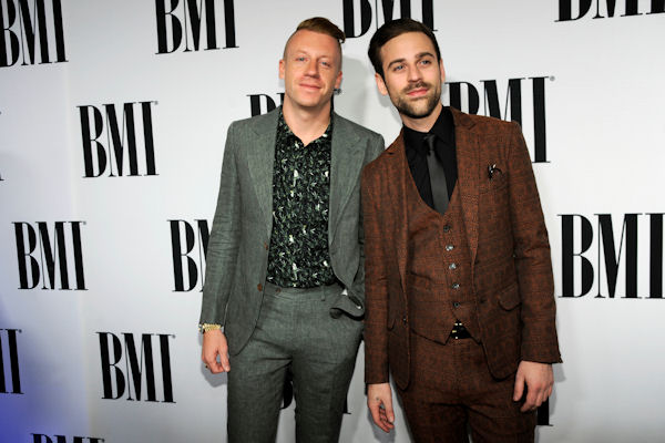 "<div class=""meta image-caption""><div class=""origin-logo origin-image none""><span>none</span></div><span class=""caption-text"">Duo Macklemore and Ryan Lewis, who won two rap/hip hop categories in 2013, will be performing on the AMAs once again. (Chris Pizzello/Invision/AP)</span></div>"