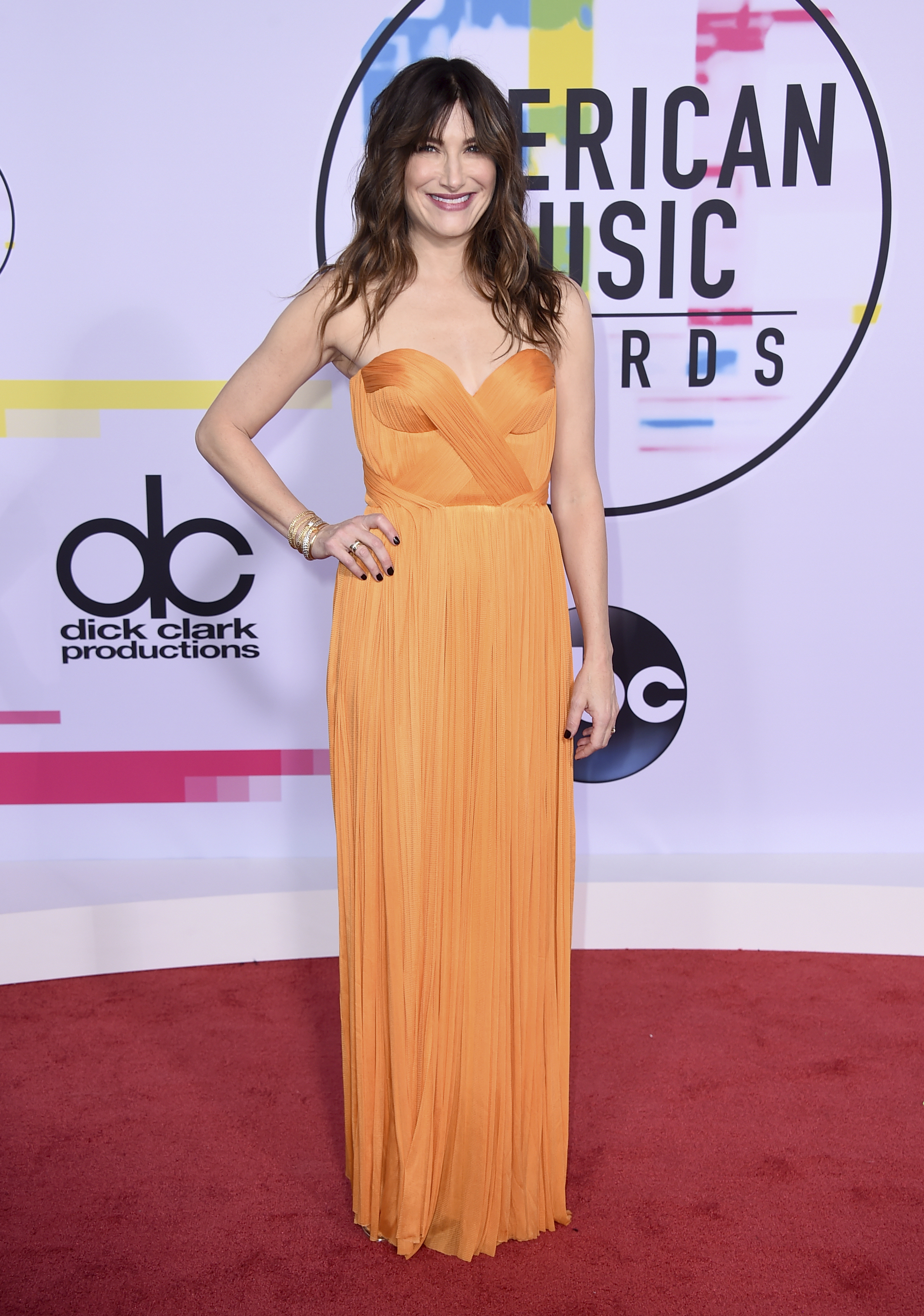 <div class='meta'><div class='origin-logo' data-origin='none'></div><span class='caption-text' data-credit='Jordan Strauss/Invision/AP'>Kathryn Hahn arrives at the American Music Awards at the Microsoft Theater on Sunday, Nov. 19, 2017, in Los Angeles.</span></div>