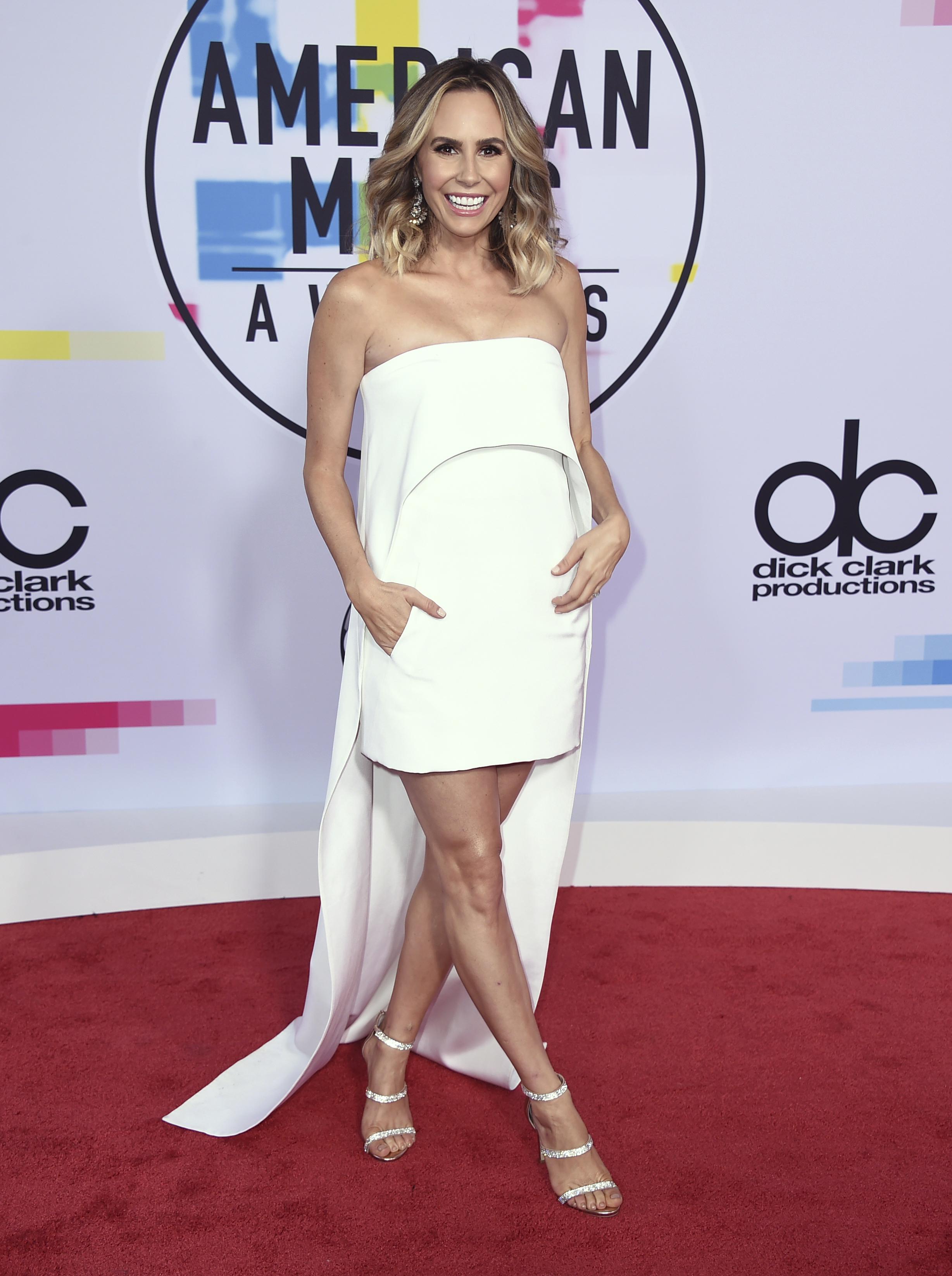 <div class='meta'><div class='origin-logo' data-origin='none'></div><span class='caption-text' data-credit='Jordan Strauss/Invision/AP'>Keltie Knight arrives at the American Music Awards at the Microsoft Theater on Sunday, Nov. 19, 2017, in Los Angeles.</span></div>