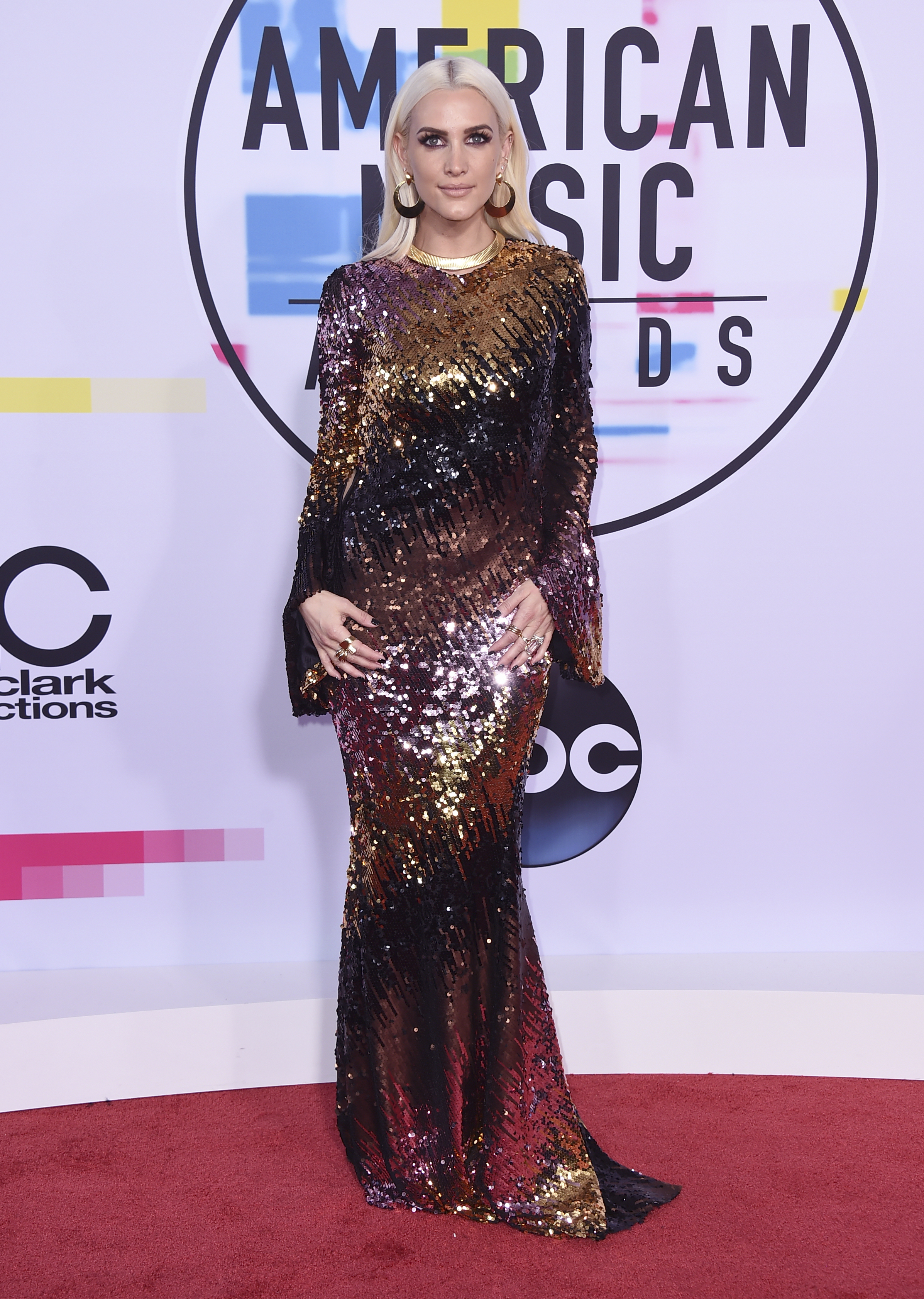 <div class='meta'><div class='origin-logo' data-origin='none'></div><span class='caption-text' data-credit='Jordan Strauss/Invision/AP'>Ashlee Simpson arrives at the American Music Awards at the Microsoft Theater on Sunday, Nov. 19, 2017, in Los Angeles.</span></div>
