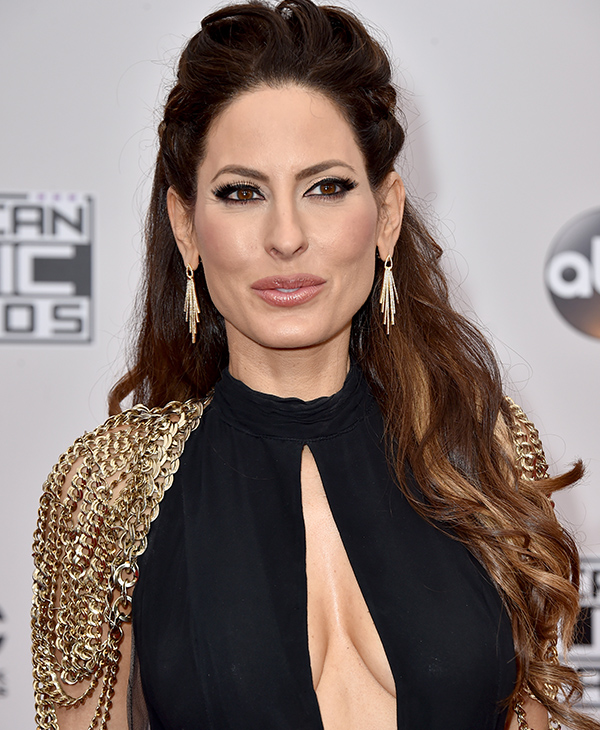 "<div class=""meta image-caption""><div class=""origin-logo origin-image none""><span>none</span></div><span class=""caption-text"">Kerri Kasem arrives at the American Music Awards at the Microsoft Theater on Sunday, Nov. 20, 2016, in Los Angeles. (Jordan Strauss/Invision/AP)</span></div>"