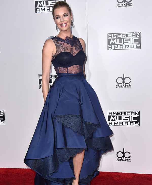 "<div class=""meta image-caption""><div class=""origin-logo origin-image none""><span>none</span></div><span class=""caption-text"">Rebecca Romijn arrives at the American Music Awards at the Microsoft Theater on Sunday, Nov. 20, 2016, in Los Angeles. (Jordan Strauss/Invision/AP)</span></div>"
