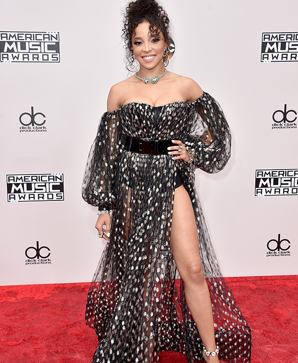 "<div class=""meta image-caption""><div class=""origin-logo origin-image none""><span>none</span></div><span class=""caption-text"">Tinashe arrives at the American Music Awards at the Microsoft Theater on Sunday, Nov. 20, 2016, in Los Angeles. (Jordan Strauss/Invision/AP)</span></div>"