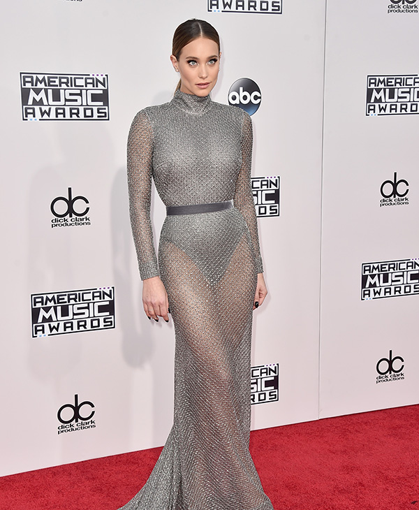 <div class='meta'><div class='origin-logo' data-origin='AP'></div><span class='caption-text' data-credit='Jordan Strauss/Invision/AP'>Hannah Davis arrives at the American Music Awards at the Microsoft Theater on Sunday, Nov. 22, 2015, in Los Angeles.</span></div>