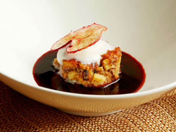 <div class='meta'><div class='origin-logo' data-origin='none'></div><span class='caption-text' data-credit=''>Luca Manfe's Apple Pandoro Bread Pudding</span></div>