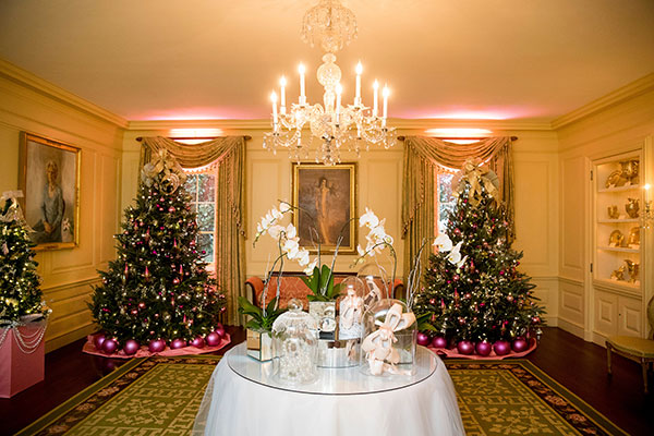 <div class='meta'><div class='origin-logo' data-origin='none'></div><span class='caption-text' data-credit='Andrew Harnik/AP Photo'>The Vermeil Room of the White House is decorated during a preview of the 2016 holiday decor, Tuesday, Nov. 29, 2016, in Washington.</span></div>