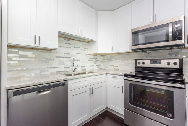 Renting in chicago the apartments you can get for 2 000 for 1255 n sandburg terrace