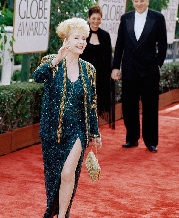 "<div class=""meta image-caption""><div class=""origin-logo origin-image ap""><span>AP</span></div><span class=""caption-text"">Actress Debbie Reynolds arrives at the 54th annual Golden Globes on Sunday, Jan. 19, 1997 in Beverly Hills, California. (AP Photo/Chris Pizzello)</span></div>"
