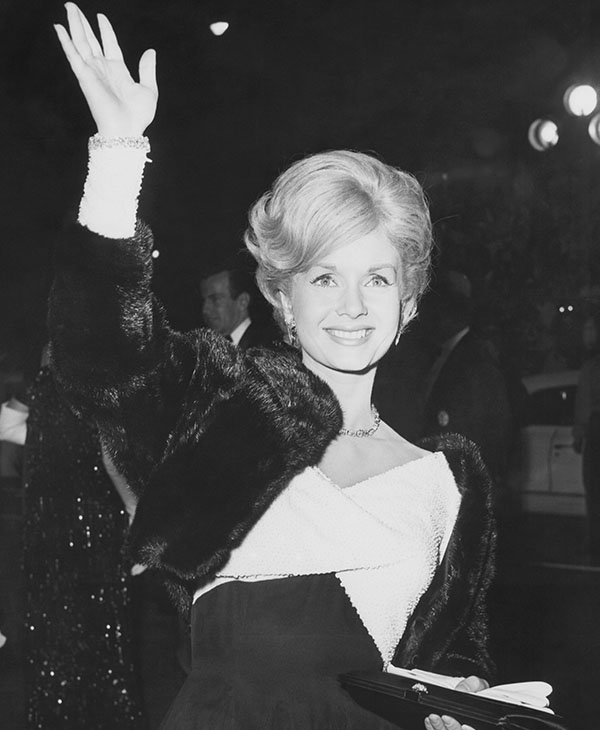 "<div class=""meta image-caption""><div class=""origin-logo origin-image ap""><span>AP</span></div><span class=""caption-text"">Actress Debbie Reynolds arrives at the Hollywood Egyptian Theater in Los Angeles, Nov. 1962. (AP Photo)</span></div>"