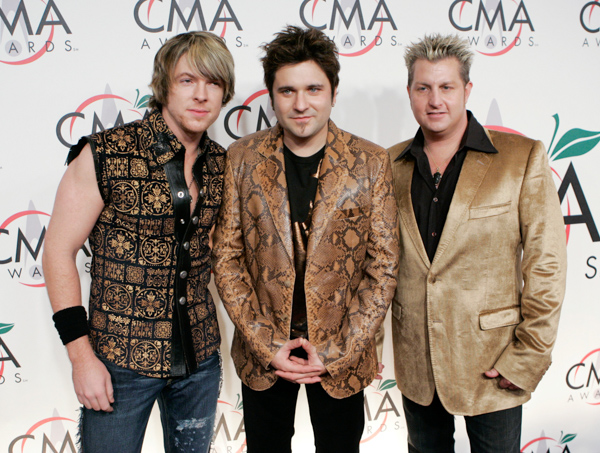 "<div class=""meta image-caption""><div class=""origin-logo origin-image none""><span>none</span></div><span class=""caption-text"">The group Rascal Flatts arrive for the 39th Annual Country Music Association Awards in New York on Tuesday, Nov. 15, 2005. (Stuart Ramson/AP Photo)</span></div>"