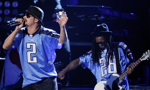 "<div class=""meta image-caption""><div class=""origin-logo origin-image none""><span>none</span></div><span class=""caption-text"">Kid Rock, left, and Lil' Wayne at the 42nd Annual CMA Awards on Wednesday Nov. 12, 2008 in Nashville, Tenn. (Mark Humphrey/AP Photo)</span></div>"