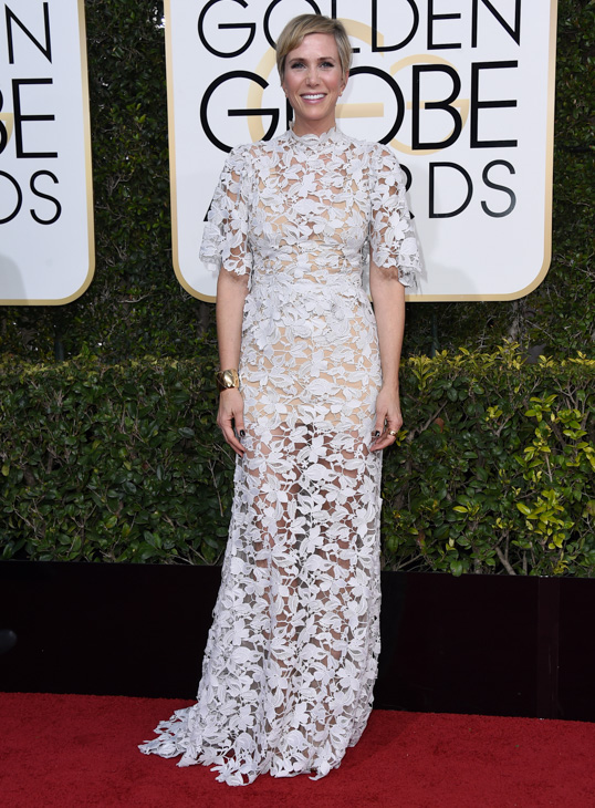 "<div class=""meta image-caption""><div class=""origin-logo origin-image none""><span>none</span></div><span class=""caption-text"">Kristen Wiig arrives at the 74th annual Golden Globe Awards at the Beverly Hilton Hotel on Sunday, Jan. 8, 2017, in Beverly Hills, Calif. (Jordan Strauss/Invision/AP)</span></div>"