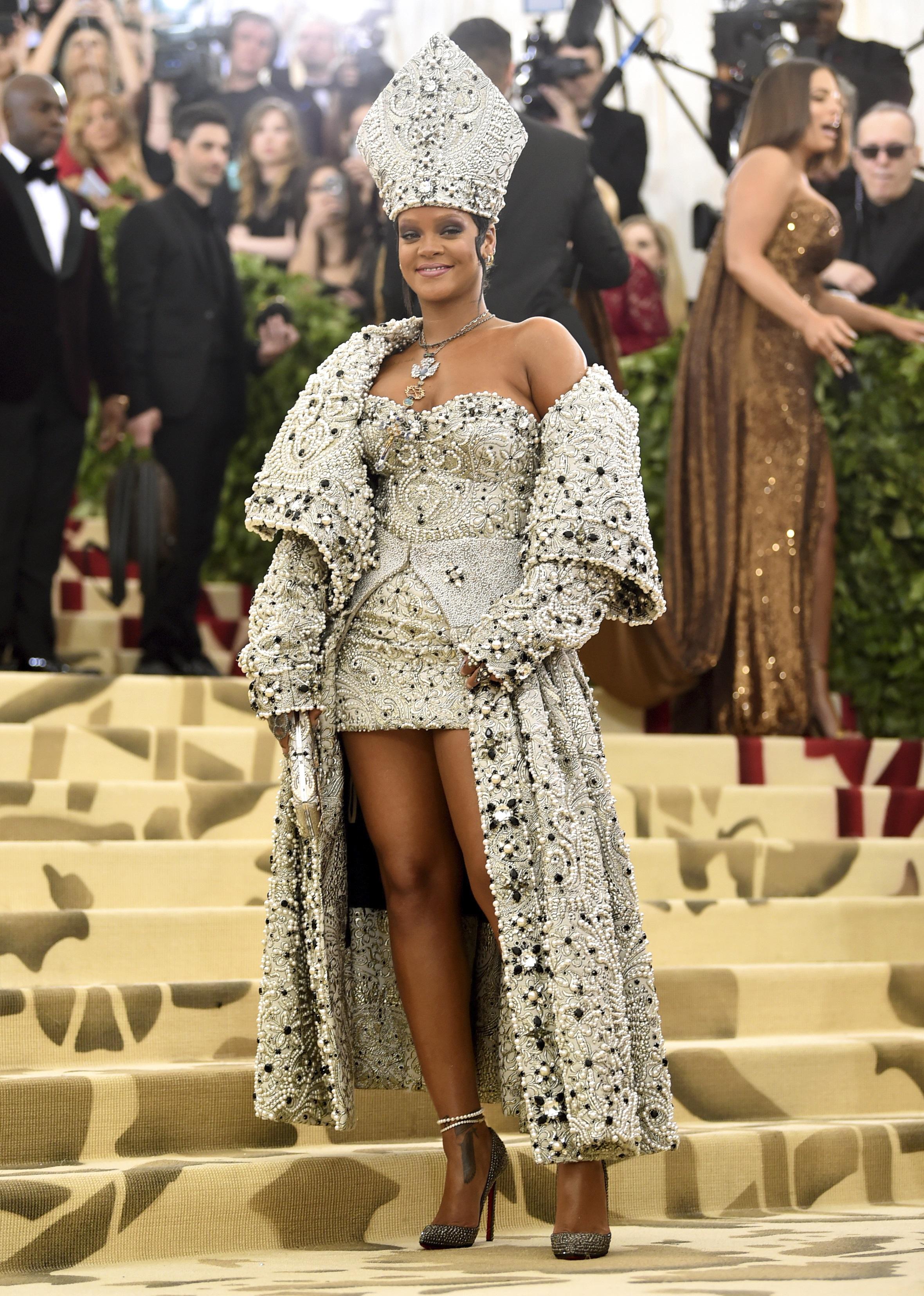 <div class='meta'><div class='origin-logo' data-origin='none'></div><span class='caption-text' data-credit='Evan Agostini/Invision/AP'>Rihanna (Photo by Evan Agostini/Invision/AP)</span></div>