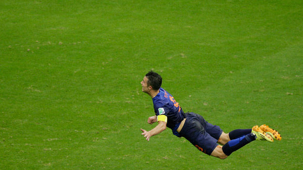 #8: Robin van Persie&#39;s earnings total &#36;19.5 million. <span class=meta>(Photo&#47;Christophe Ena)</span>