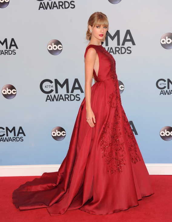 "<div class=""meta image-caption""><div class=""origin-logo origin-image none""><span>none</span></div><span class=""caption-text"">Taylor Swift arrives at the 47th annual CMA Awards at Bridgestone Arena on Wednesday, Nov. 6, 2013, in Nashville, Tenn. (Evan Agostini/Invision/AP)</span></div>"