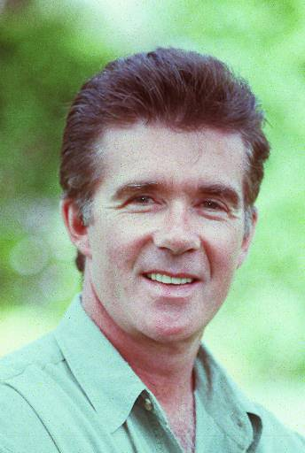"<div class=""meta image-caption""><div class=""origin-logo origin-image ap""><span>AP</span></div><span class=""caption-text"">Alan Thicke is shown in this 1992 photo. (AP Photo/Julie Markes)</span></div>"