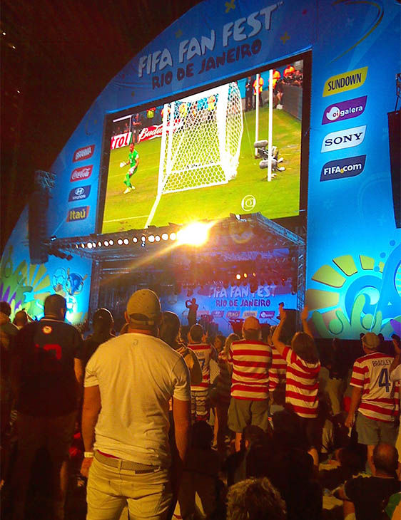 Lines into the Copacabana Fan Zone were halted for several minutes after large crowds rushed to see the match. <span class=meta>ABC Photo/ Karina Vigo</span>