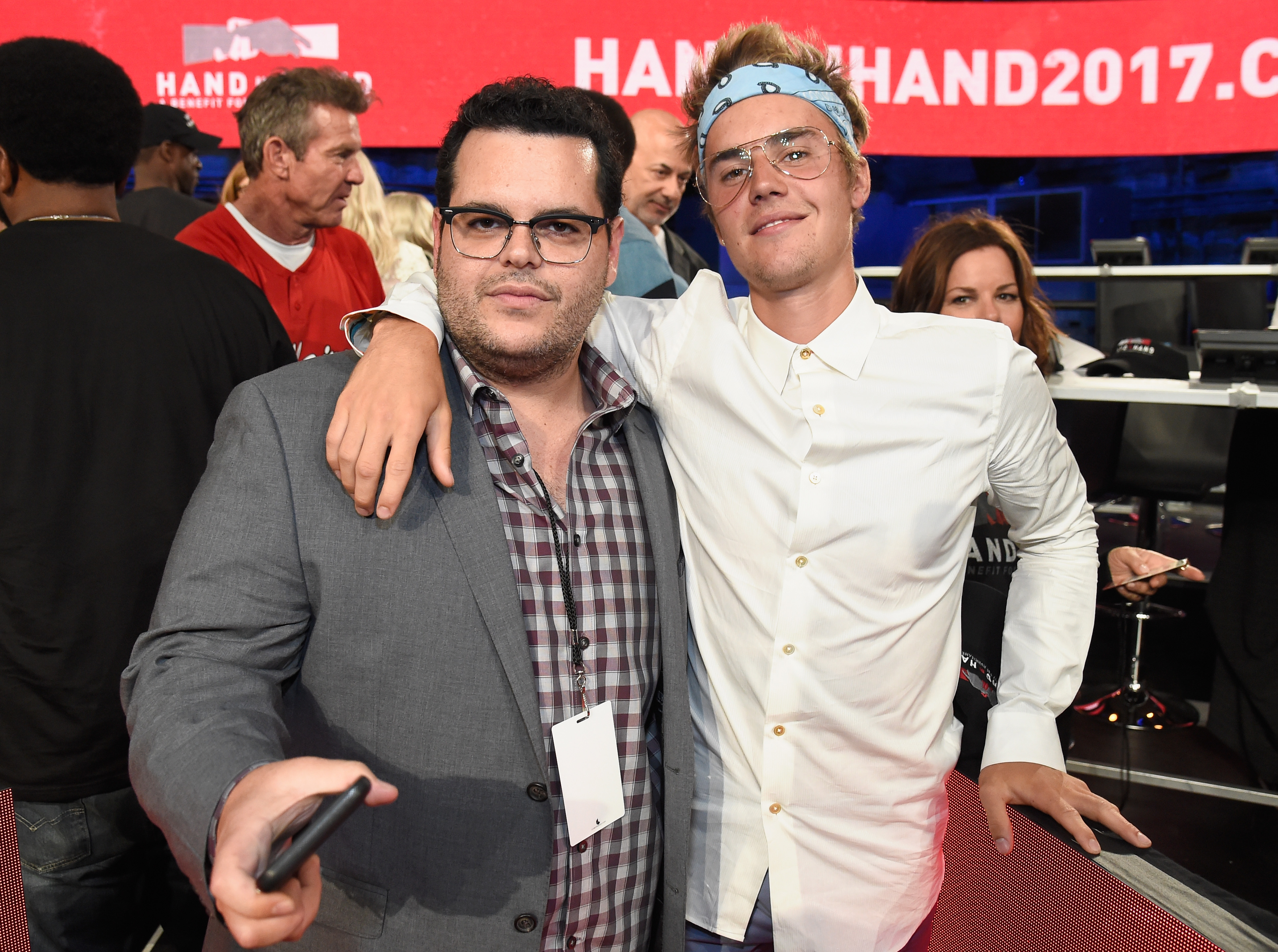 "<div class=""meta image-caption""><div class=""origin-logo origin-image none""><span>none</span></div><span class=""caption-text"">Josh Gad and Justin Bieber attend Hand in Hand: A Benefit for Hurricane Relief at Universal Studios AMC on September 12, 2017 in Universal City, California. (Kevin Mazur/Hand in Hand/Getty Images)</span></div>"