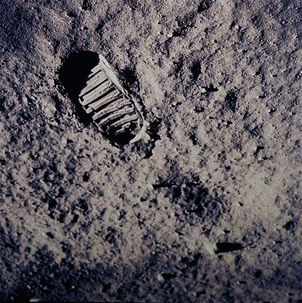 A picture of Armstrong's iconic first footprint on the Moon. <span class=meta></span>