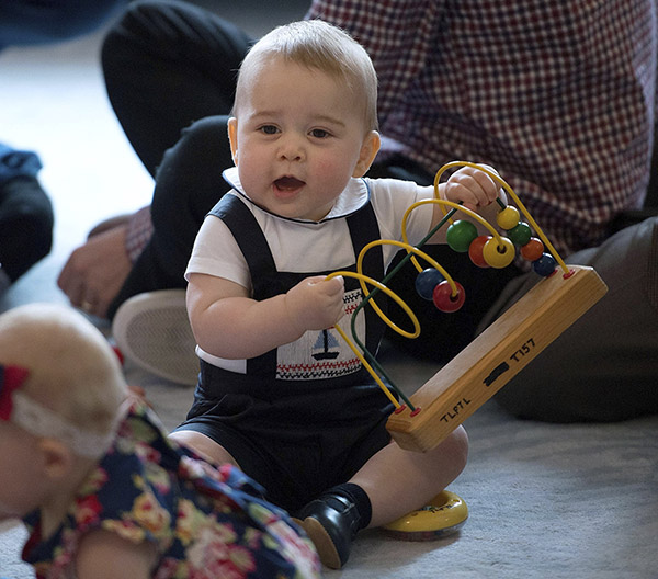 Britain&#39;s Prince George plays with other local families and babies during a visit to Plunket nurse and parents group at Government House in Wellington, New Zealand. <span class=meta>(Marty Melville &#47; AP)</span>