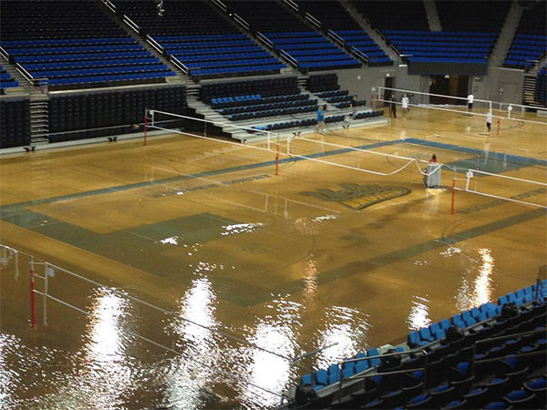 "<div class=""meta ""><span class=""caption-text "">The gym looks to have suffered considerable water damage. (Gene Blevins / Los Angeles Daily News)</span></div>"