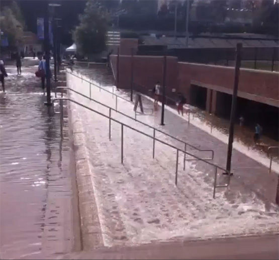 "<div class=""meta ""><span class=""caption-text "">UCLA campus flooded. (WxDeFlitch / Twitter)</span></div>"