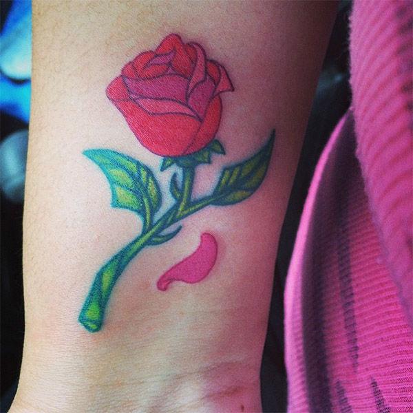 Beast&#39;s rose. <span class=meta>(ani_mtz88 &#47; Instagram)</span>