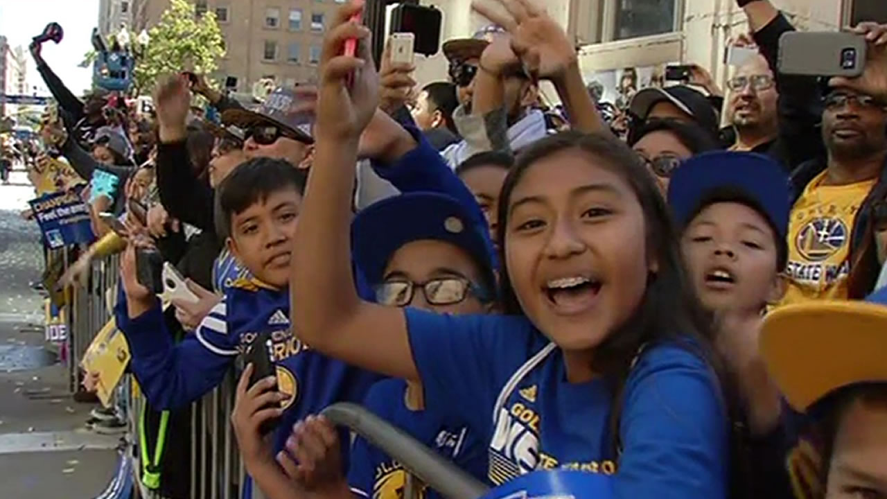 "<div class=""meta image-caption""><div class=""origin-logo origin-image none""><span>none</span></div><span class=""caption-text"">Warriors fans at the Golden State Warriors parade in Oakland on Friday, June 19, 2015. (KGO-TV)</span></div>"