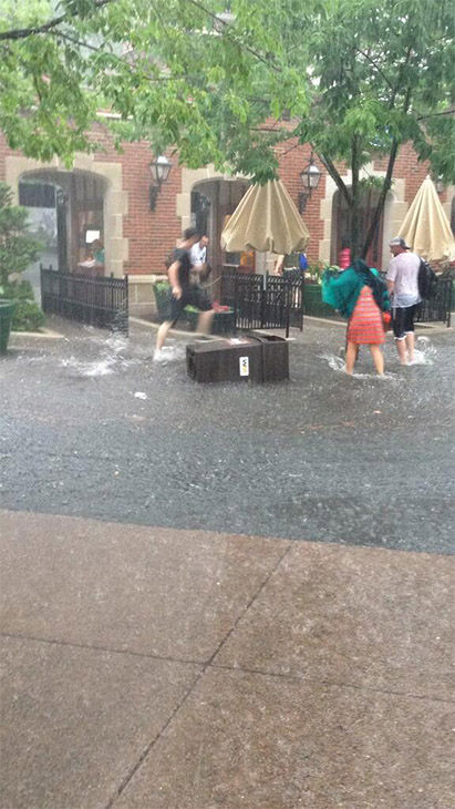 More flooding at the main gate. <span class=meta>(danielle0716 &#47; Twitter)</span>