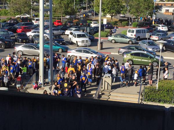 "<div class=""meta image-caption""><div class=""origin-logo origin-image none""><span>none</span></div><span class=""caption-text"">Warriors fan at the Fremont BART station headed to the Golden State Warriors parade in Oakland on Friday, June 19, 2015.   (Photo submitted by Vinod Palan via Twitter)</span></div>"