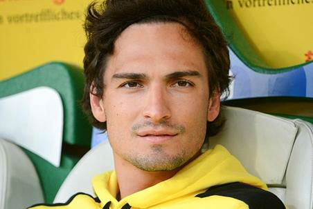 "<div class=""meta ""><span class=""caption-text "">GERMANY: Mats Hummels has got a bit of an Orlando Bloom vibe going on, and we can't say that we mind.</span></div>"
