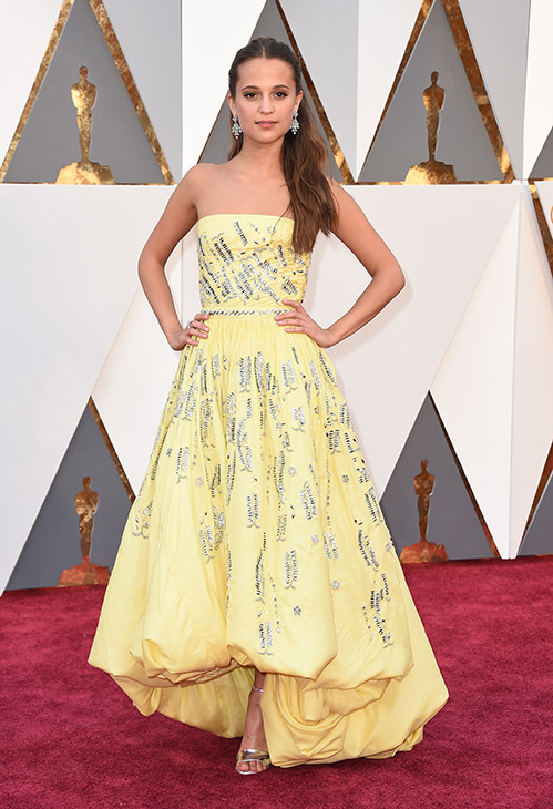 <div class='meta'><div class='origin-logo' data-origin='AP'></div><span class='caption-text' data-credit='Jordan Strauss/Invision/AP'>Alicia Vikander arrives at the Oscars on Sunday, Feb. 28, 2016, at the Dolby Theatre in Los Angeles.</span></div>