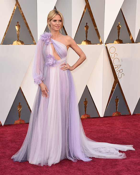 <div class='meta'><div class='origin-logo' data-origin='AP'></div><span class='caption-text' data-credit='Jordan Strauss/Invision/AP'>Heidi Klum arrives at the Oscars on Sunday, Feb. 28, 2016, at the Dolby Theatre in Los Angeles.</span></div>