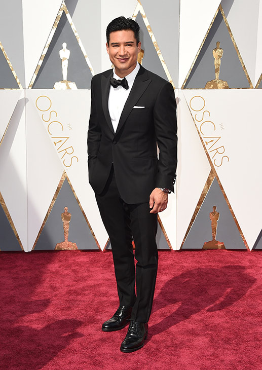 <div class='meta'><div class='origin-logo' data-origin='AP'></div><span class='caption-text' data-credit='Jordan Strauss/Invision/AP'>Mario Lopez arrives at the Oscars on Sunday, Feb. 28, 2016, at the Dolby Theatre in Los Angeles.</span></div>
