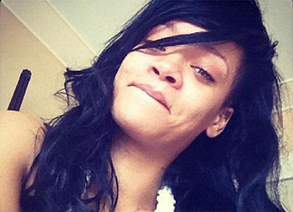 This controversial tweet from 2012 was the first of Rihanna's no makeup selfies. <span class=meta>@rihanna / Twitter</span>