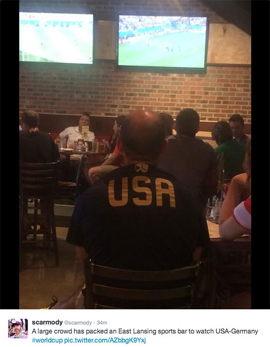 "<div class=""meta ""><span class=""caption-text "">People skip work to watch World Cup game at their local sports bar. (/ Twitter)</span></div>"