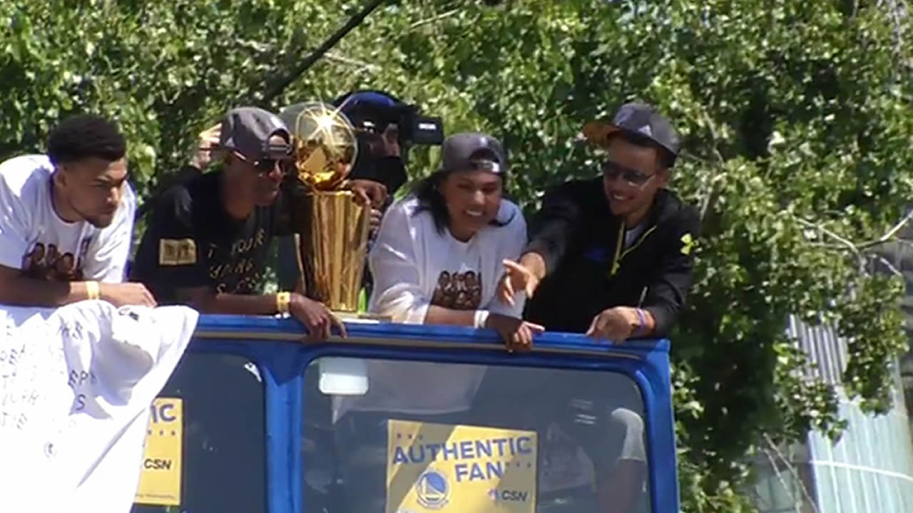 "<div class=""meta image-caption""><div class=""origin-logo origin-image none""><span>none</span></div><span class=""caption-text"">Steph Curry and Andre Iguodala at the Golden State Warriors parade in Oakland on Friday, June 19, 2015. </span></div>"