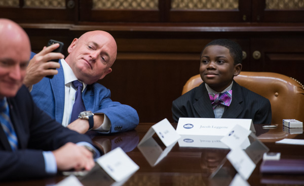 "<div class=""meta image-caption""><div class=""origin-logo origin-image none""><span>none</span></div><span class=""caption-text"">Astronaut Mark Kelly, takes a selfie with Kid Science Advisor Jacob Leggette during a meeting with ten other Kid Science Advisors, Friday, October 21, 2016 at the White House. (NASA/Aubrey Gemignani)</span></div>"