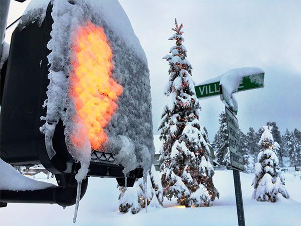 <div class='meta'><div class='origin-logo' data-origin='KABC'></div><span class='caption-text' data-credit='KABC'>Fresh snow fell in Big Bear as the El Nino driven storm rolled across Southern California mountains.</span></div>