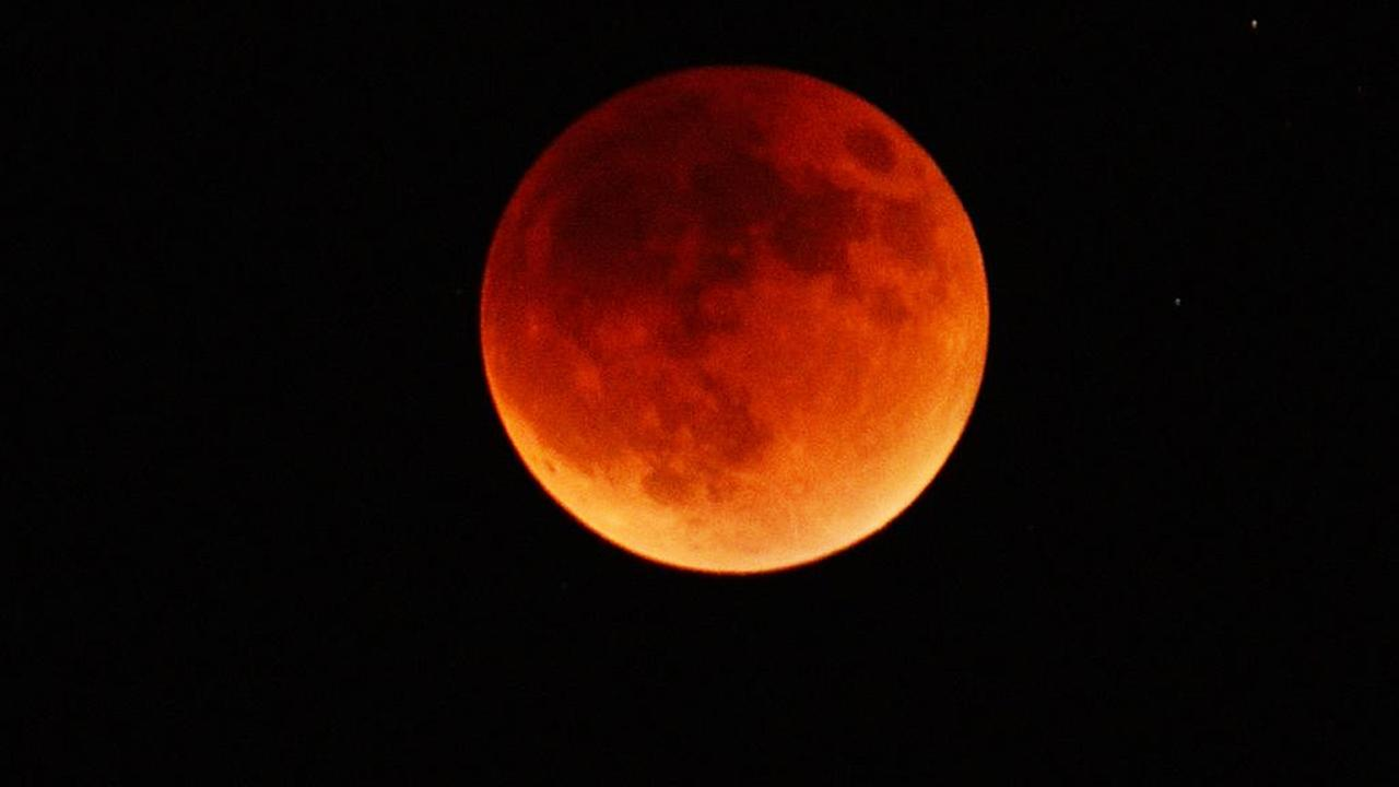 ABC7 viewer John Foley shared this view of the supermoon eclipse from Laguna Niguel on Sunday, Sept. 28, 2015 using #abc7eyewitness.