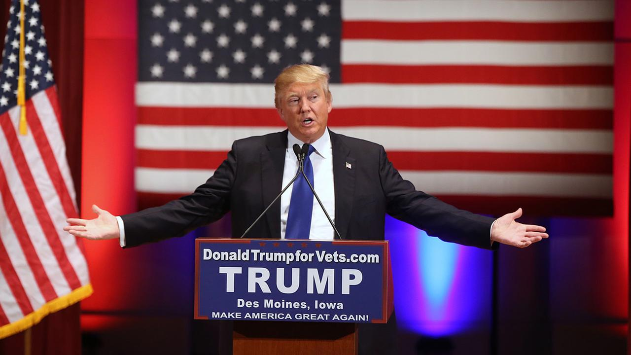 Republican presidential candidate Donald Trump speaks at a event at Drake University in Des Moines, Iowa, Thursday, Jan. 28, 2016.