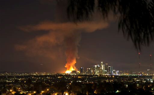 <div class='meta'><div class='origin-logo' data-origin='none'></div><span class='caption-text' data-credit='ABC7 viewer Nance Yuille'>ABC7 viewer Nance Yuille shared this photo of the fire in downtown Los Angeles using #ABC7Eyewitness on Monday, Dec. 08, 2014.</span></div>